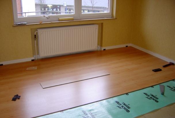 pose quick step uniclic maison design. Black Bedroom Furniture Sets. Home Design Ideas